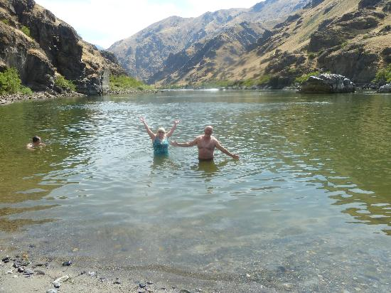 Oxbow, OR: Refreshing Swim