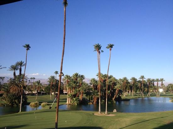 Indian Wells Resort Hotel: view from the country club
