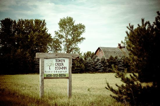 Token Creek Eco-Inn: Sign