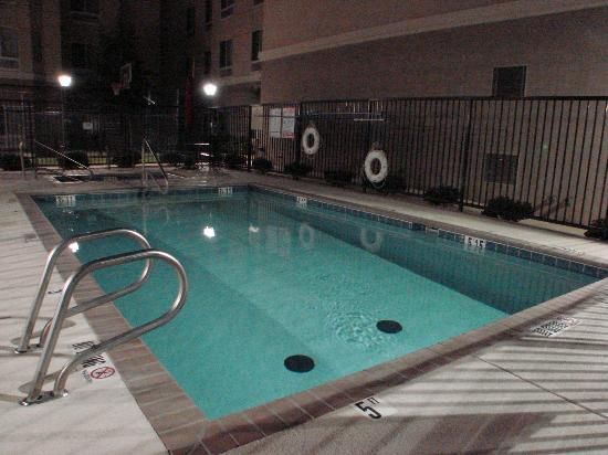 Homewood Suites by Hilton Albuquerque Airport: good size pool