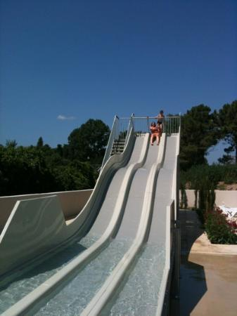 Camping Les Pins: le toboggan du camping