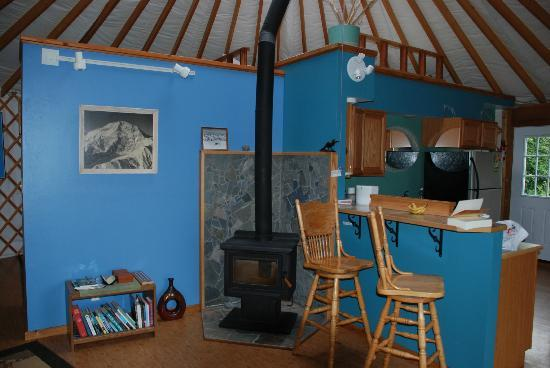 Homer Roundhouse: living area