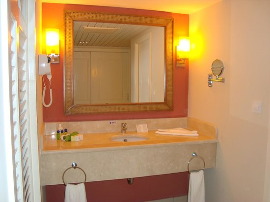Beautiful washroom picture of memories flamenco beach for Beautiful washrooms