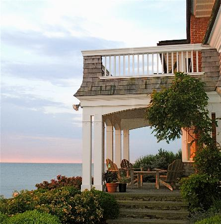 Cliff Walk Cottage on The Sea: getlstd_property_photo