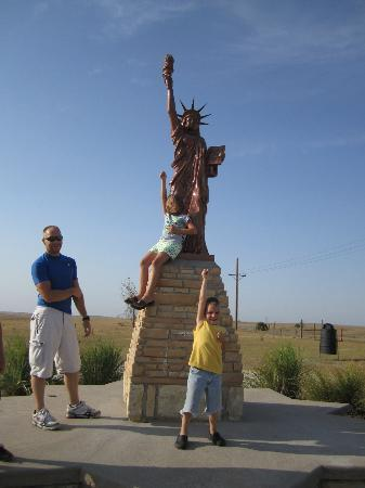 Replica Of Statue Of Liberty Installed Alongside Hwy 281