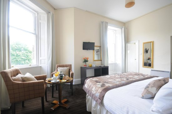 Dreadnought Hotel: Dreadnoughts newly refurbished bedroom