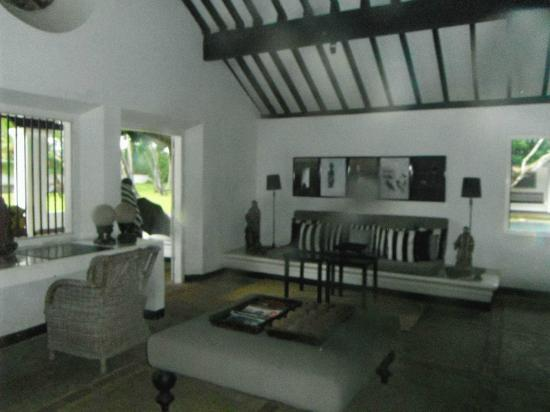 Paradise Road The Villa Bentota: one of the lounges