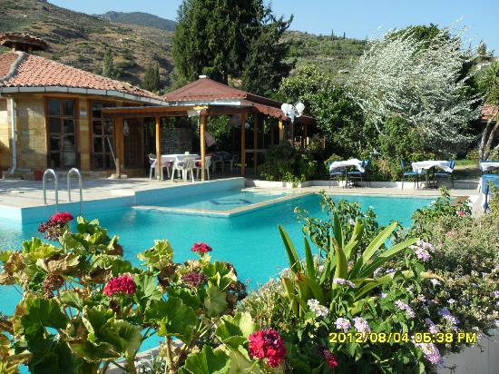 Priene Garden Pension