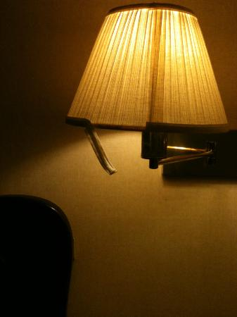 Super 8 South Portland, Rm 104 - ripped lamp shade