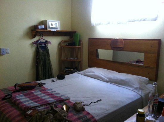 Tico Adventure Lodge: Clean, air conditioned, large bath and Double Bed