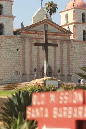 Beach House Inn: Visit the Santa Barbara Mission while in-town - beautiful