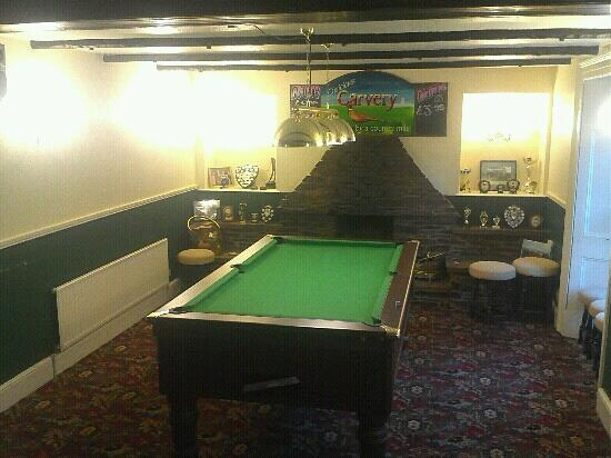 Lanner, UK: pool table