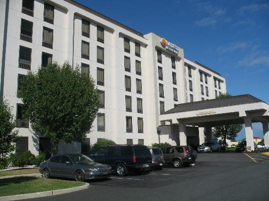 Comfort Inn & Suites West Atlantic City: Voorkant van het hotel