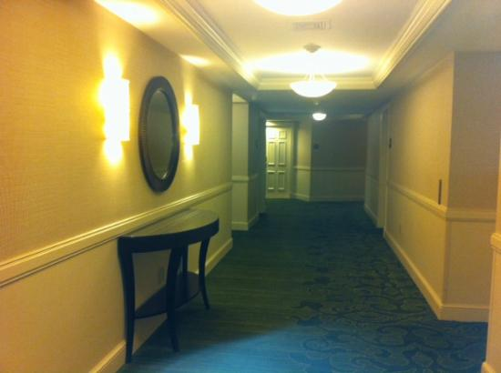 Book A Room At Vinoy