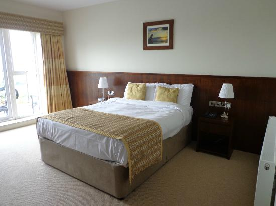 Strandhill Lodge and Suites Hotel: Bedroom