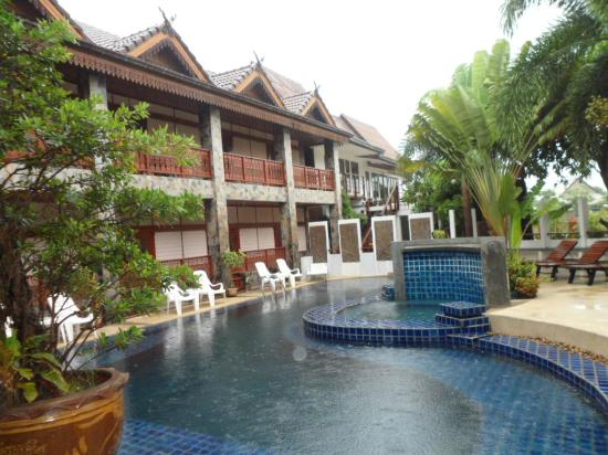 Delight Resort: there pool