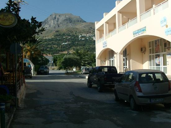Costas Chrysoula: Ouranos Apartments & mountains