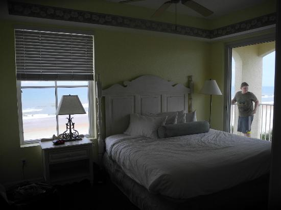 The Cove on Ormond Beach: main bedroom south tower