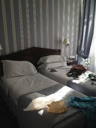 Hotel Astor Saint-Honore: Very narrow beds yet soft and clean.