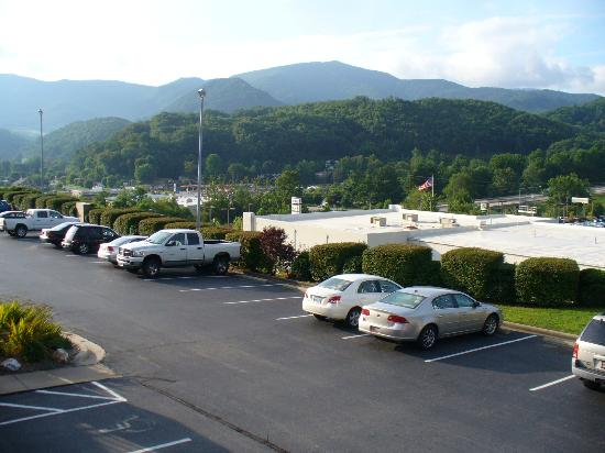 BEST WESTERN Smoky Mountain Inn: View from our balcony