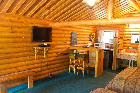 Riverfront Motel & RV Park: Inside Prospect/ Thompson Cabins