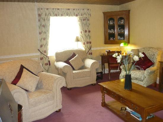 Brynhir Farm: Relax in one of our delightful Lounges
