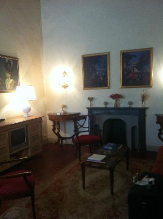 Palazzo Niccolini al Duomo: Sitting room with pull out couch