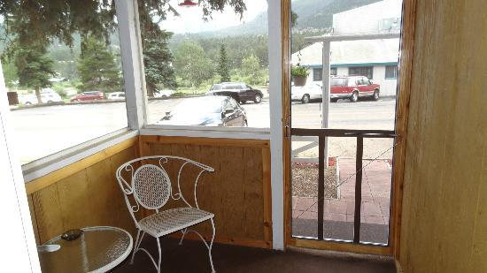 ‪‪Colorado Cottages‬: Wood Lily porch