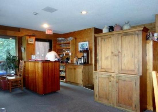 Westwind Inn on the Lake: Dining Room