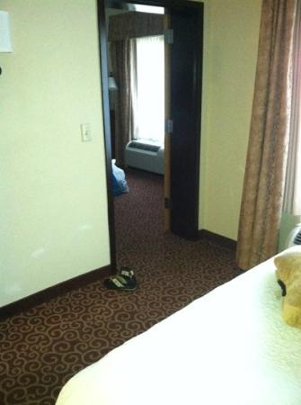 Hampton Inn Oneonta: actual 2 room suite