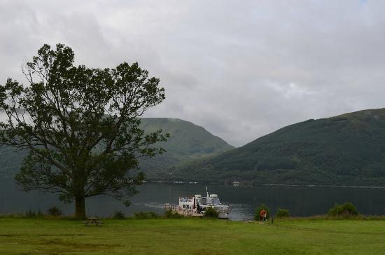 Rowardennan Lodge: View of the boat landing in front of the hostel