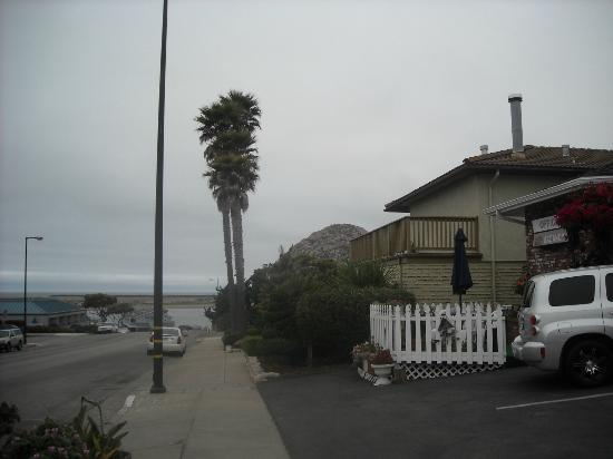 motel sign picture of pleasant inn motel morro bay. Black Bedroom Furniture Sets. Home Design Ideas