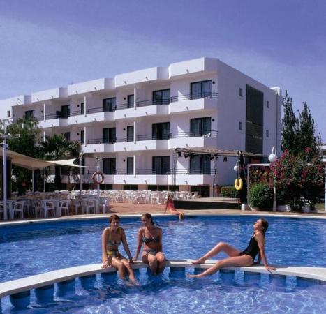 Photo of Hotel Club La Noria Playa d'en Bossa