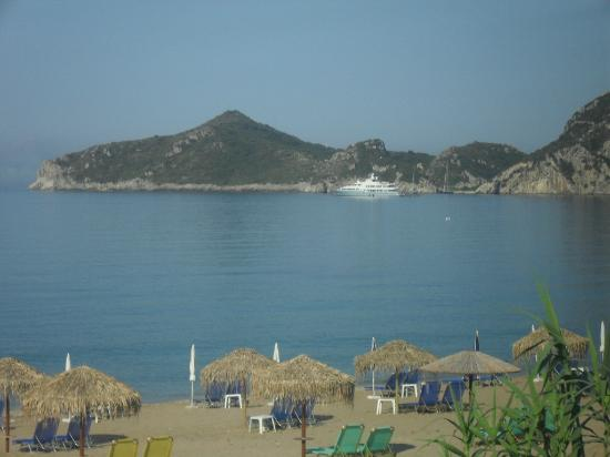 Hotel Costas Golden Beach: view from the pool