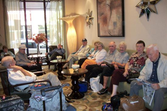 Embassy Suites Fort Worth Downtown: The Fountains @ Canterbury Residents in the hotel lobby ready to head for the train station!