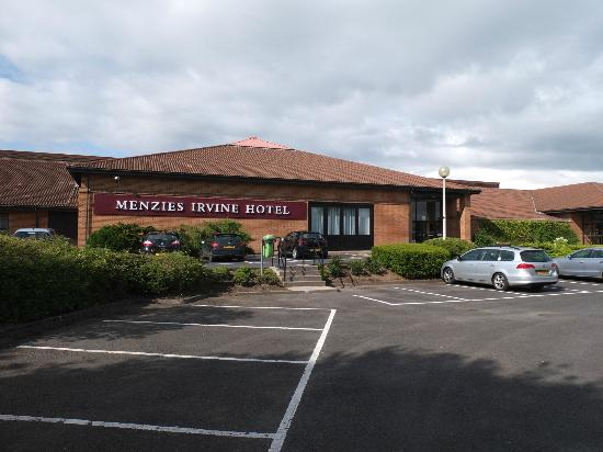 Main entrance of hotel picture of menzies irvine irvine - Menzies hotel irvine swimming pool ...