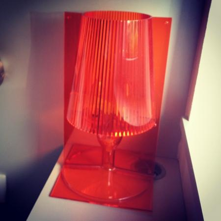 Kertel edith de biography - Lampe de chevet kartell ...