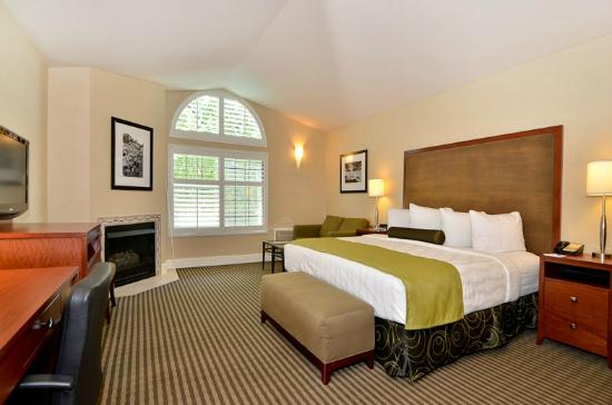 BEST WESTERN PLUS Stevenson Manor: King Suite