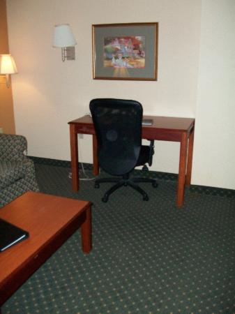 Bradbury Suites: The Livingroom area of the suite