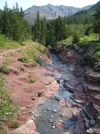 Dungarvan Creek Bed &amp; Breakfast: Red Rock Canyon in Waterton