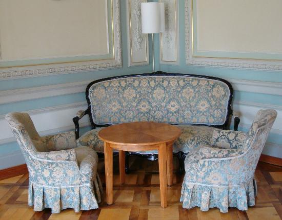 Grand Hotel Kronenhof: One of the quiet sitting areas