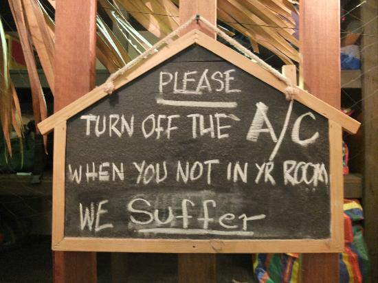 Suk 11 Hostel : Please TURN OFF A/C