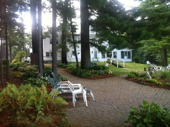 Wolf Cove Inn: view of grounds and house that face the water