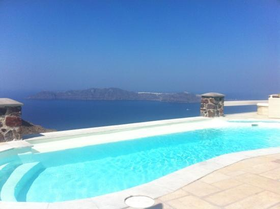 Tholos Resort: The pool is 10 steps from the room & this is the view!