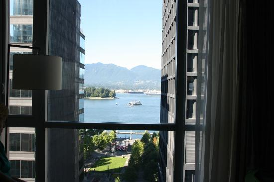 Coast Coal Harbour Hotel: Upgraded room view from 1015