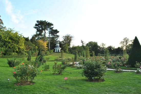 Jardins picture of parc de bagatelle paris tripadvisor for Jardin bagatelle