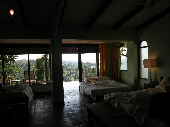 Hotel La Mariposa: Room 6, one very large king and two doubles (one a sofa)