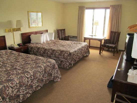 Foothills Inn: room #220