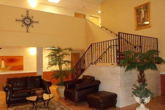 La Quinta Inn Radford: Main Lobby