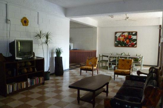 Pasefika Inn: Guest lounge